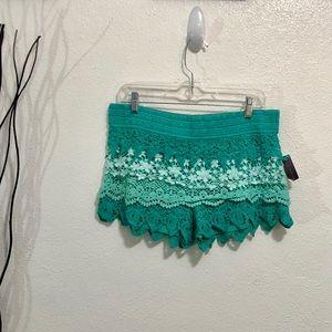NoBo Green Crochet Lace Shorts Juniors Size L NWT